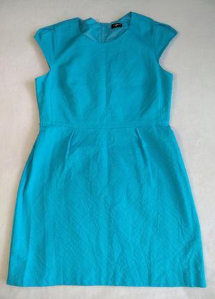Платье миди футляр текстурная ткань яркого цвета