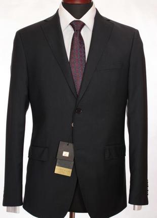 Продам отличный стильный мужской костюм классический zingal riche