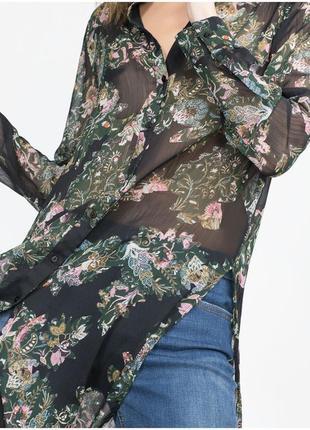 Блузка рубашка от zara в цветочный принт с розпорками по боковых швах тренд 2017-2018