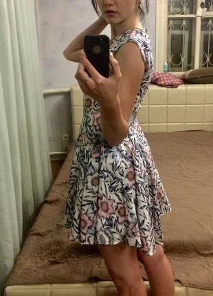 Платье шикарное h&m стильное цветочный принт