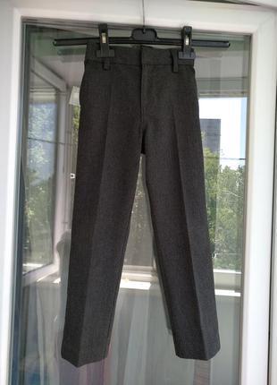 Брюки школьные узкие next р.116 мальчику 6лет, штаны выпускной в садик 1 кл