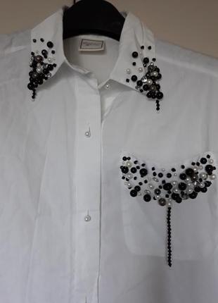 Рубашка,блуза белая коттоновая расшита жемчугом и камнями.charlotte halton