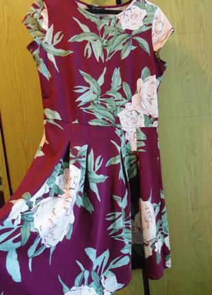 Модное платьице с цветами