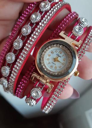 Часи на браслете рожеві
