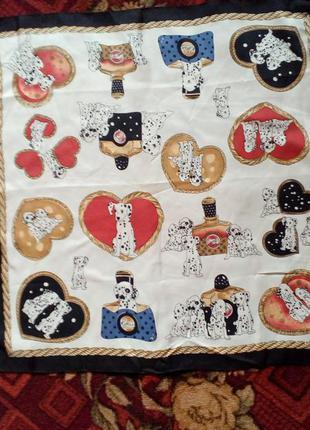 Шейный платок с далматинцами,бандана,декор на сумку.51*51см.