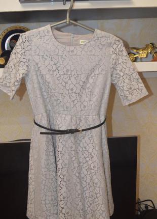 Платье кружевное с двойной юбкой