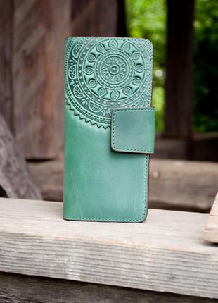 Кошелек кожаный длинный зеленый с орнаментом этно