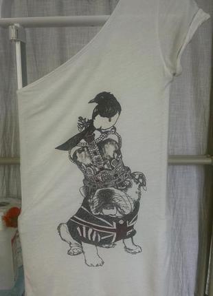 Кокетливая футболочка на одно плечо