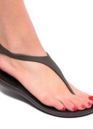 Босоножки crocs sexi flip sandal р. w7, w8, w9, w10