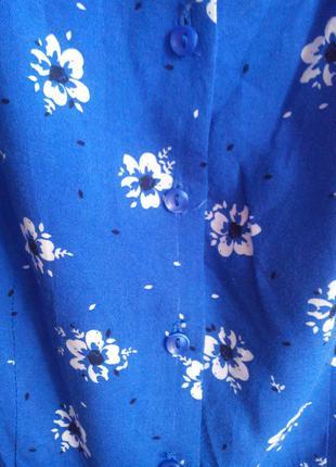 Яркое летнее платье в цветочек на пуговках3