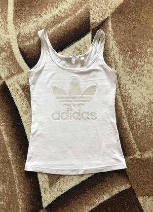Белая майка adidas размер s