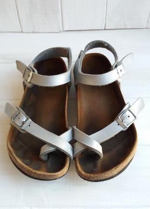 Фирменные ортопедические сандали на девочку