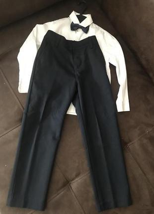 Школьные брюки 128 плотные синие состояние новое