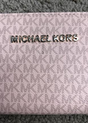 Удобный и модный кошелек от michail kors