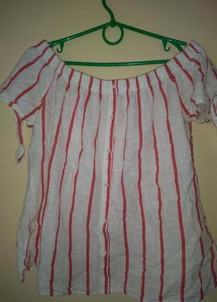Блузка с опущеними плечами