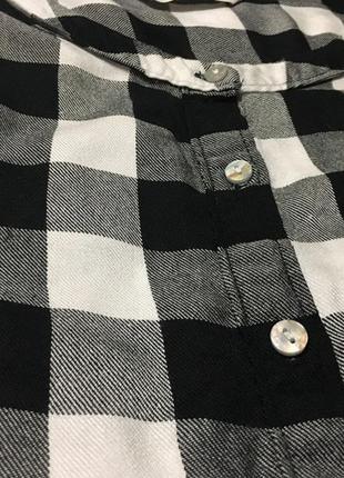 Ніжна блуза в клітинку