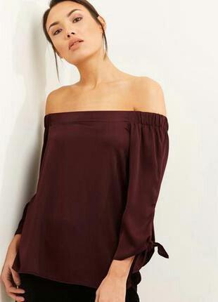 Блуза цвета марсала с открытыми плечами