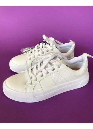 Белые кроссовки zara 👟