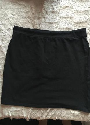 Чёрная мини юбка на резинке