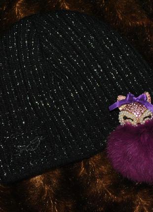 Черная теплая зимняя вязаная шапка с люрексовой серебристой нитью