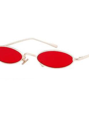 Красные овальные ретро очки