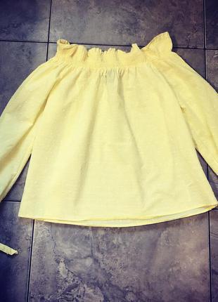 Стильная жолтая блуза , плечи открыты, завязки на руках.
