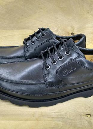 Кожаные легкие туфли clarks ( 41 размер )