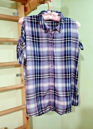 Блуза свободного кроя с открытыми плечами,рубашка в клетку
