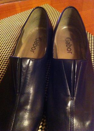 Комфортные туфли на низком каблуке р.39  gabor