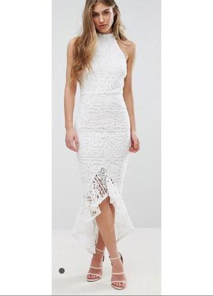 Белое кружевное платье рыбка