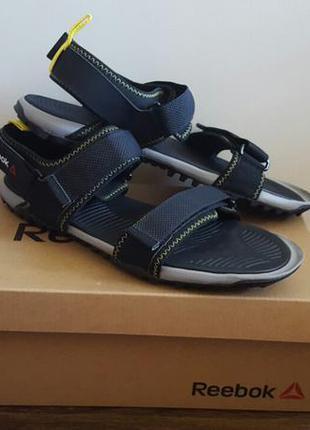 Оригінальні сандалі reebok!
