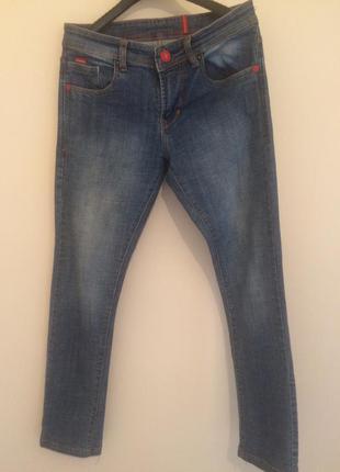 Практичні джинси від dsquared