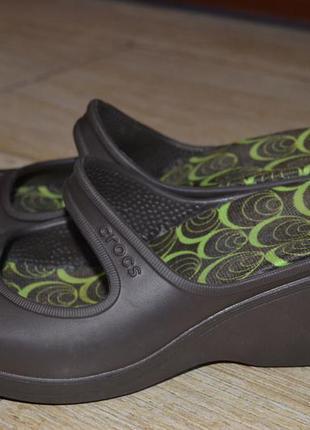 Crocs  38р туфли босоножки сандалии  аквашузы оригинал. танкетка