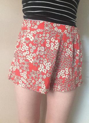 Новые шорты летние в цветочный принт
