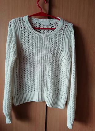 Свитер. белый свитер