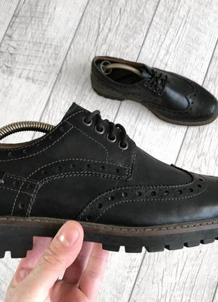Туфли броги clarks