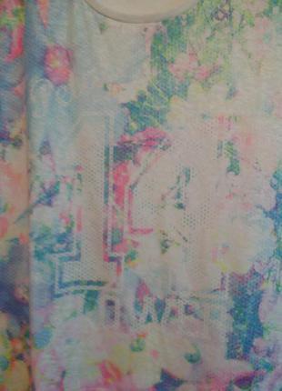 Красивая футболочка 16\18 роз2 фото