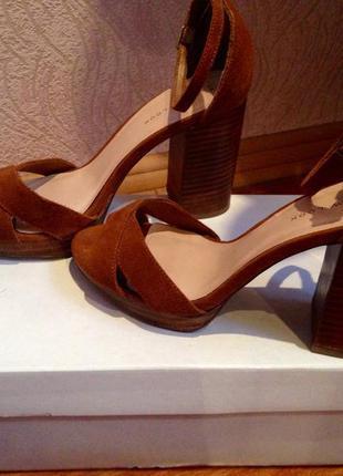 Босоножки замшевые, босоножки на устойчивом каблуке натуральная замша!