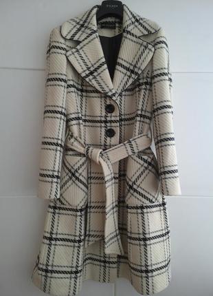 Шикарное пальто бренда премиум-класса  autograph marks&spencer в широкую клетку