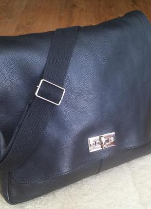 Мужская большая кожаная сумка через плечо marks & spencer. формат а4.