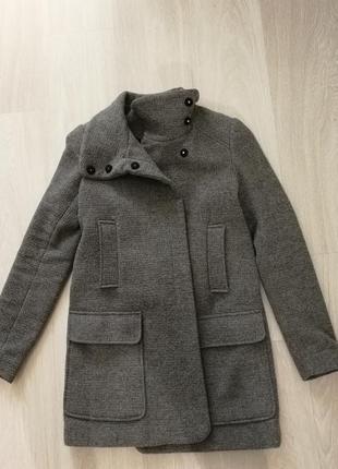Пальто zara демисезонное пальто