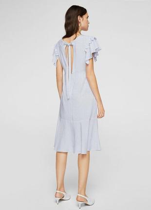 Принтованное платье с воланом манго новая коллекция 2018