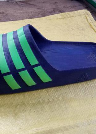 Шлёпанцы adidas (us 17/33 cm)