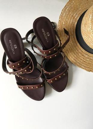 Кожаные босоножки braska ,туфли на устойчивом каблуке . стильные кожаные босоножки