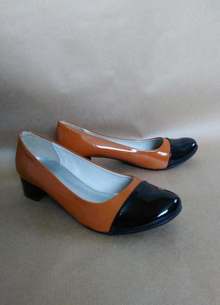 ... Лаковані туфлі на низькому каблуку3 773575ecbeed3