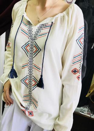 Хлопковая блуза с вышивкой вышиванка