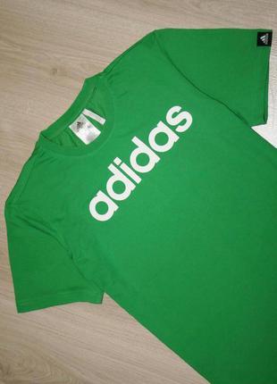 Футболка adidas  состояние новой вещи размер: s