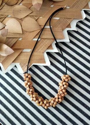 Кольє з дерев*яних намистин