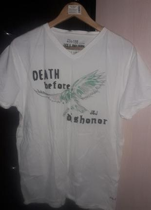 Фирменная футболка с вышивкой. размер м/л