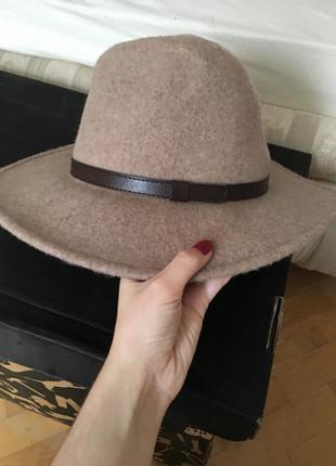Шляпа zara, из очень хорошего качества
